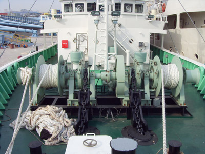 anchor winch with double gypsy wheel